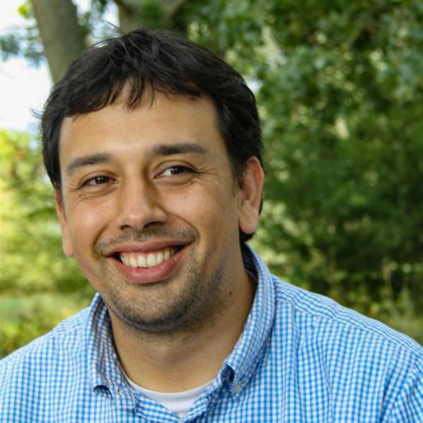 Dr Mauricio Apablaza